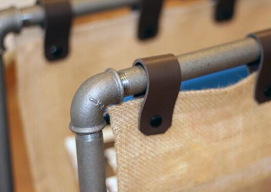 Rohr Industrial Fitting Design Zeitungsständer