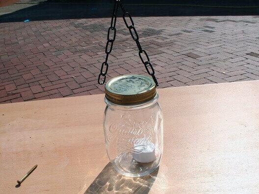 Aus vintage Einmachglas Wandlicht aus Holz selber bauen